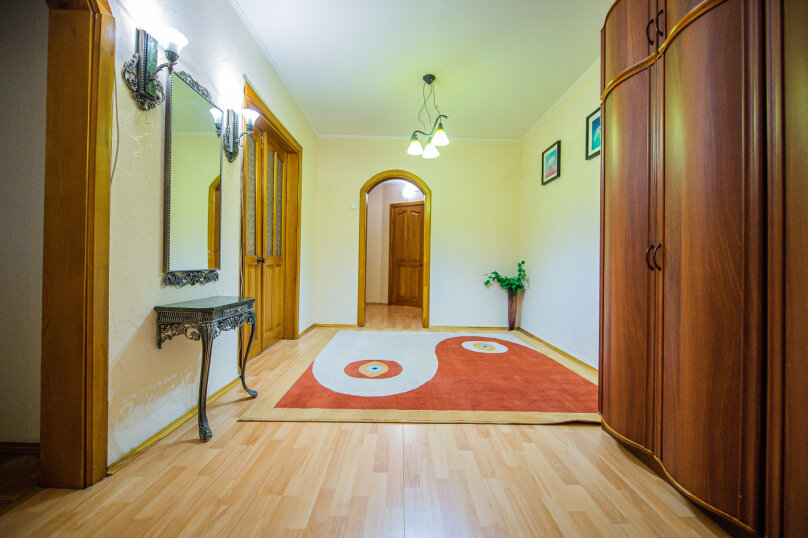 3-комн. квартира, 117 кв.м. на 8 человек, улица Энгельса, 36А, Челябинск - Фотография 19