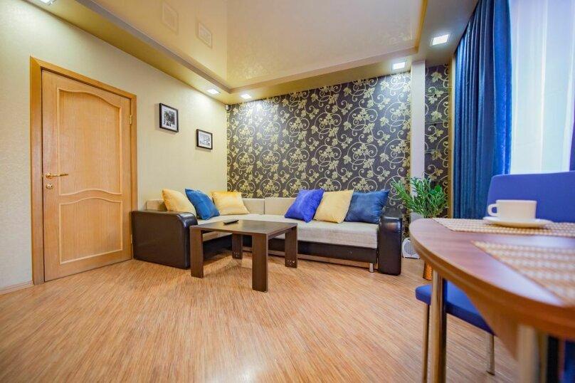 2-комн. квартира, 56 кв.м. на 4 человека, улица Пушкина, 65, Челябинск - Фотография 6