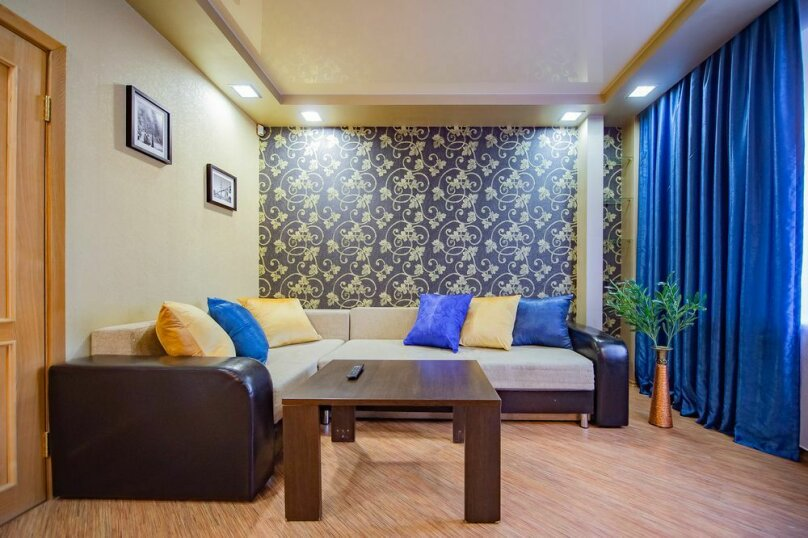 2-комн. квартира, 56 кв.м. на 4 человека, улица Пушкина, 65, Челябинск - Фотография 7