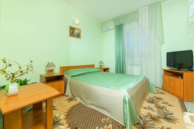 Стандартный 2-х местный номер с одной кроватью , улица Самбурова, 177, Анапа - Фотография 1