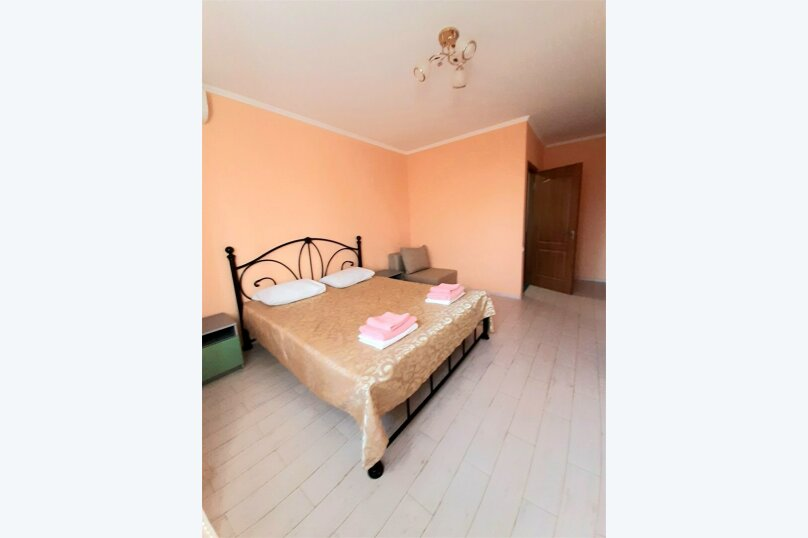 Стандарт двухместный + кресло, Тенистая улица, дом 3Д, Заозерное - Фотография 1