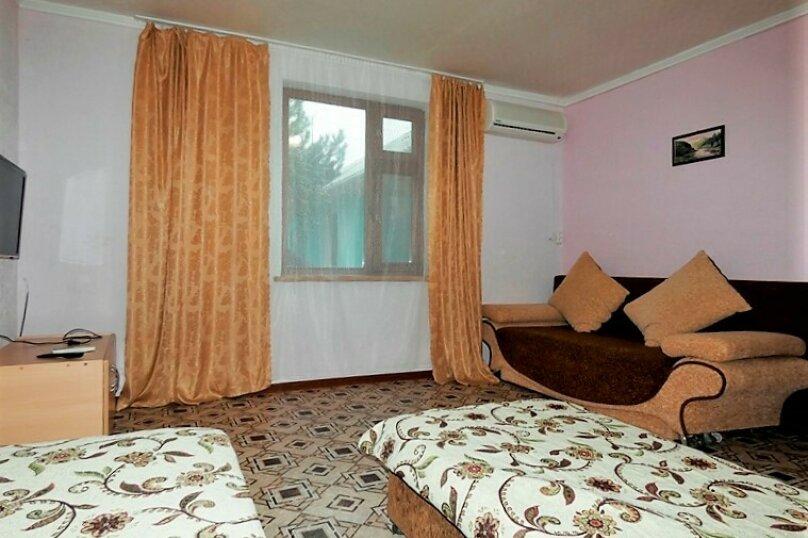 Гостиница 1143891, Тенистая , 38 на 11 комнат - Фотография 2