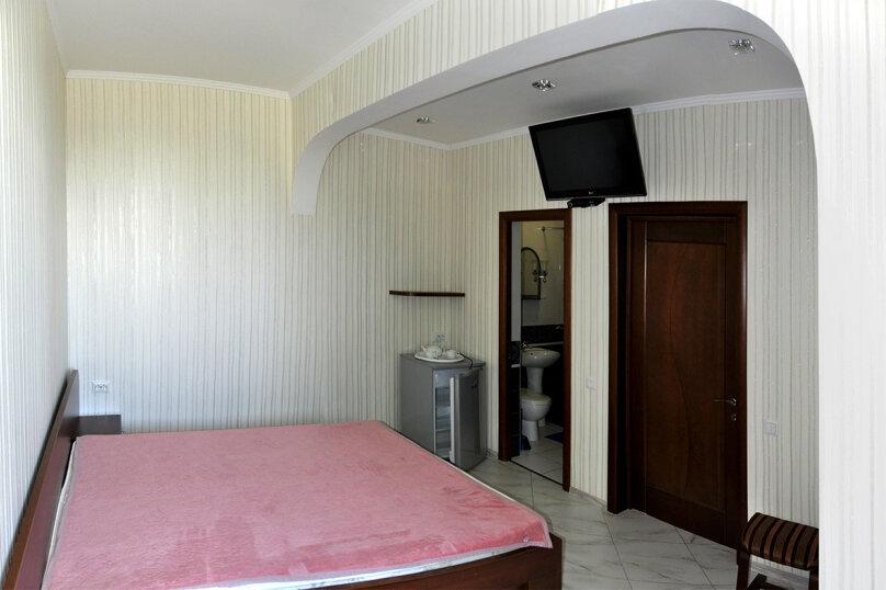 Гостиница 1142714, улица Героя Советского Союза Н.Т. Васильченко,  на 4 комнаты - Фотография 2