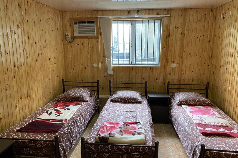 Гостиница 1144610, первый переулок Эшба, 1 на 12 комнат - Фотография 1