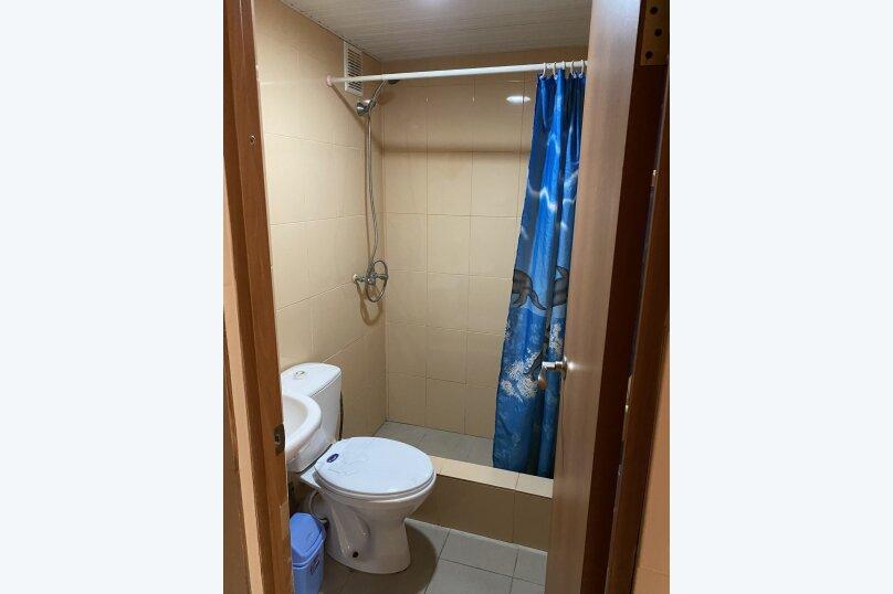 Гостиница 1144610, первый переулок Эшба, 1 на 12 комнат - Фотография 6