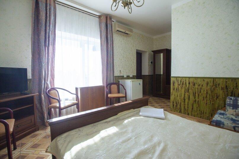 Гостевой дом Крымский, Советская улица, 16А на 14 комнат - Фотография 30