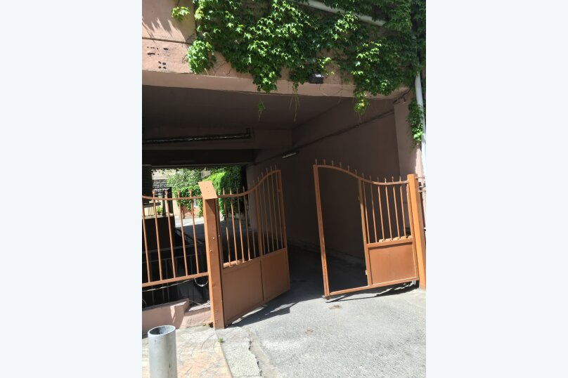 4-комн. квартира, 175 кв.м. на 6 человек, улица Леси Украинки, 3, Тбилиси - Фотография 13