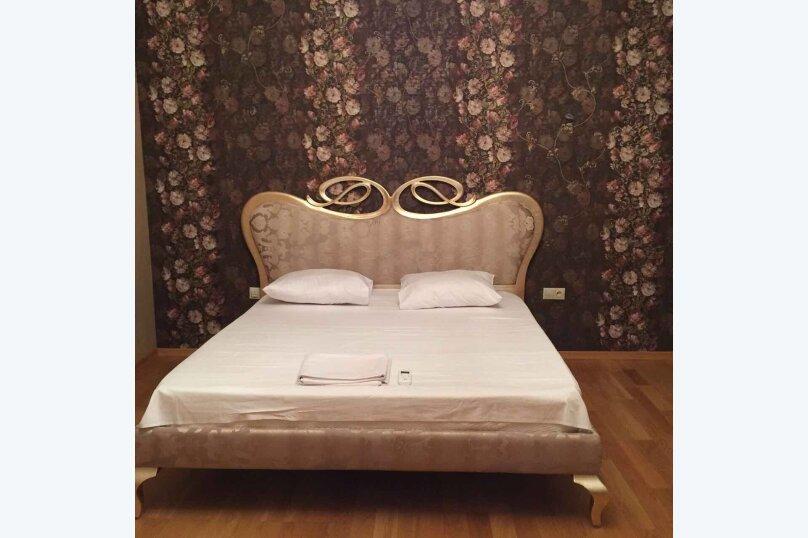 4-комн. квартира, 175 кв.м. на 6 человек, улица Леси Украинки, 3, Тбилиси - Фотография 18