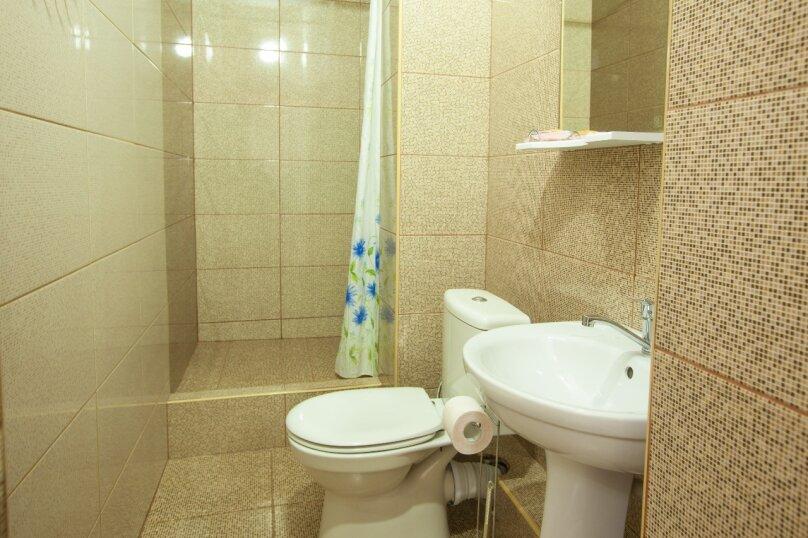 Гостевой дом Крымский, Советская улица, 16А на 14 комнат - Фотография 18