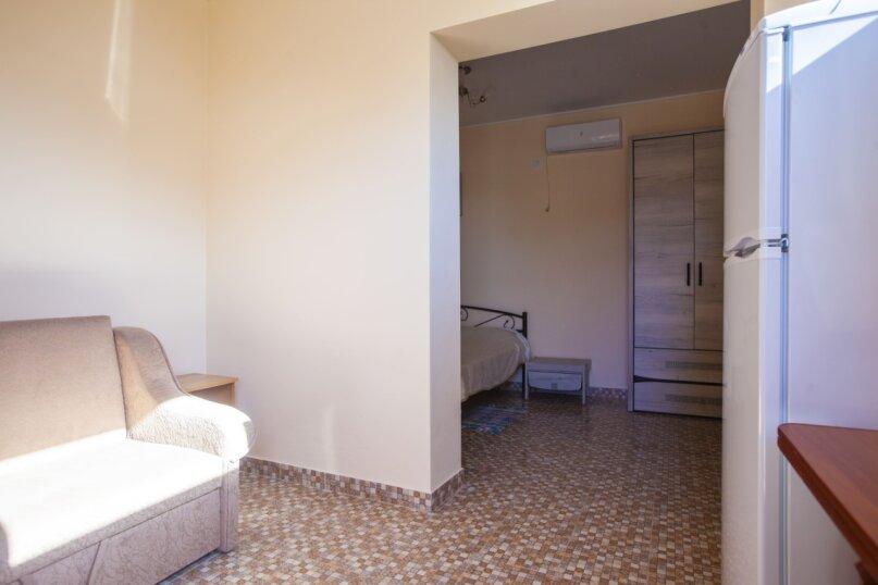 Гостевой дом Крымский, Советская улица, 16А на 14 комнат - Фотография 19