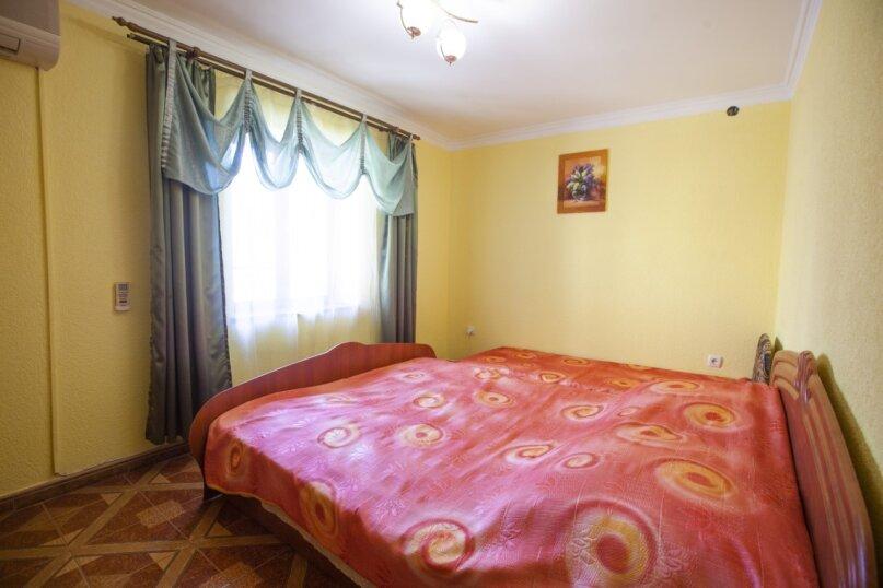 Гостевой дом Крымский, Советская улица, 16А на 14 комнат - Фотография 12