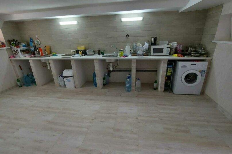 Гостиница 1144971, улица Эким-Кара, 12 на 9 комнат - Фотография 9