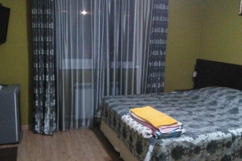 Гостевой дом Пальмовая роща, октябрьская, 95б на 20 комнат - Фотография 1