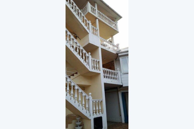 Гостиница 1143818, Керченская улица, 12А на 22 комнаты - Фотография 3