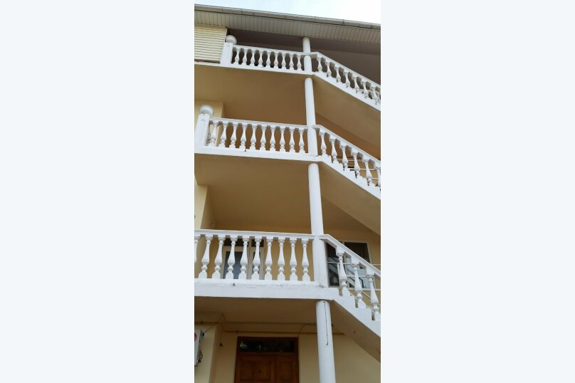 Гостиница 1143818, Керченская улица, 12А на 22 комнаты - Фотография 4