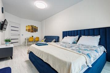 2-комн. квартира, 46 кв.м. на 6 человек, Красная улица, 176лит1, Краснодар - Фотография 1