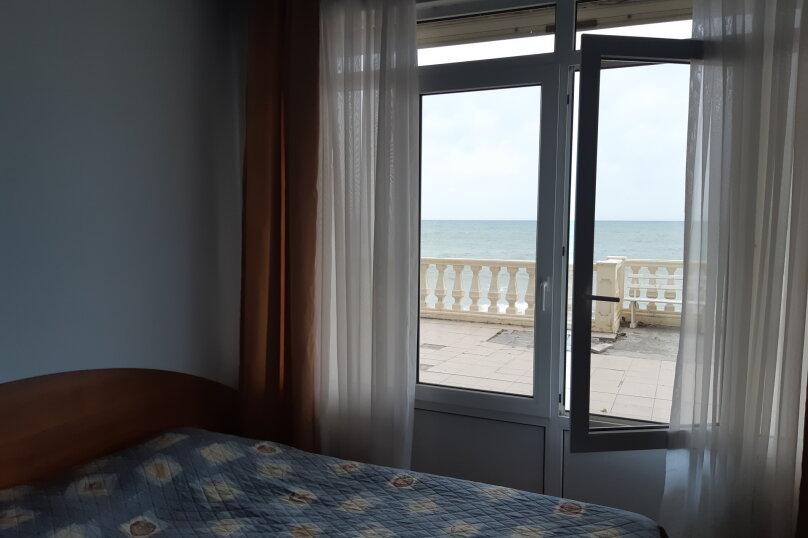 Двухместный номер на первом этаже с видом на море, Азовская улица, 4, Лоо - Фотография 1