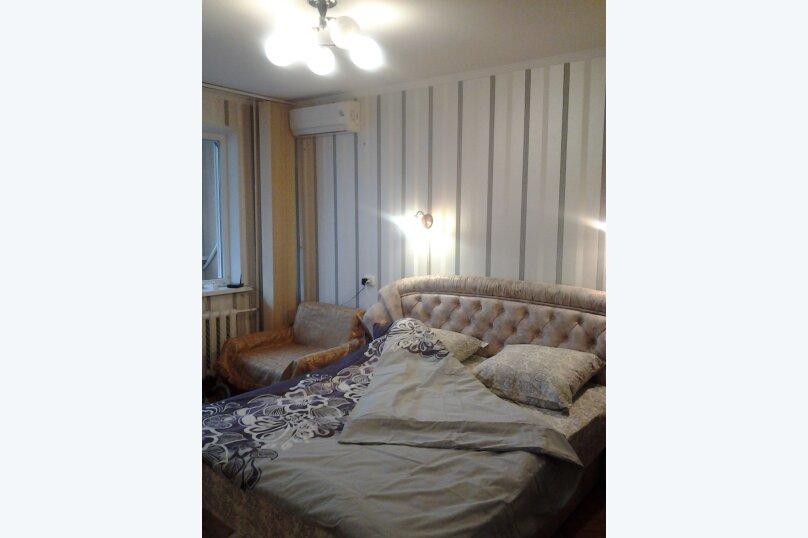 1-комн. квартира, 34 кв.м. на 3 человека, улица Клары Цеткин, 19, Керчь - Фотография 2