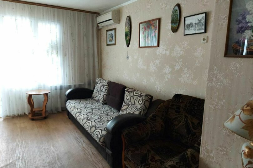 2-комн. квартира, 41 кв.м. на 5 человек, улица Ленина, 32, Судак - Фотография 1