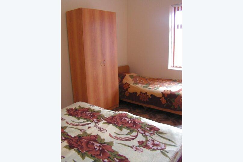 """Гостевой дом """"На Лакоба 26"""", улица Лакоба, 1-й тупик на 12 комнат - Фотография 15"""