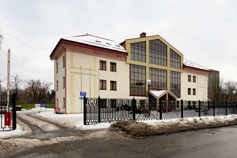 МТМ Хостел, улица Корнеева, 14 на 20 комнат - Фотография 1