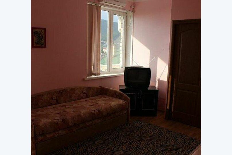 """Гостевой дом """"Лиза"""", Моряков, 5 Б на 11 комнат - Фотография 8"""