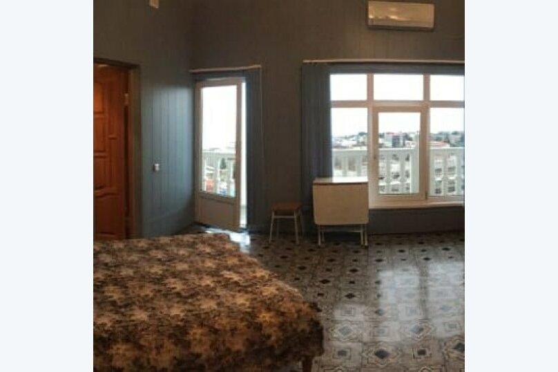 """Гостевой дом """"Лиза"""", Моряков, 5 Б на 11 комнат - Фотография 21"""