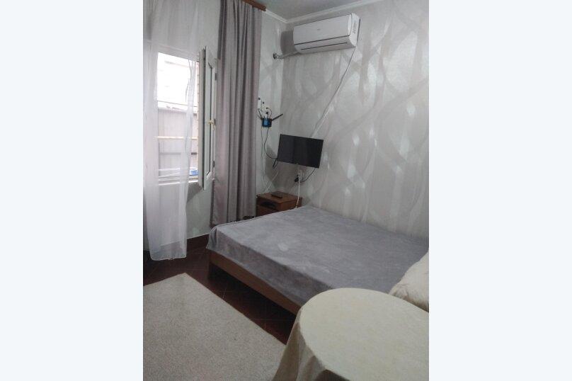 Апартаменты с кухней четырехместный , улица Чкалова, 29/1, Адлер - Фотография 6