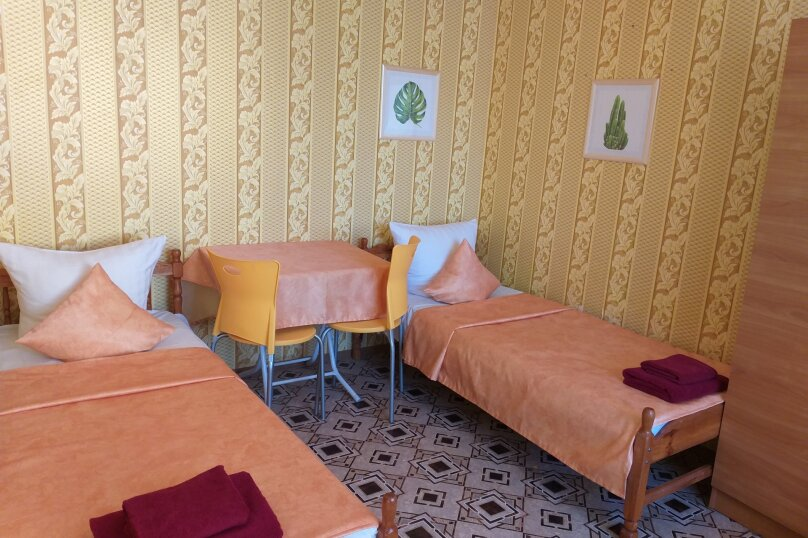 2 х комнатный Семейный с собственной ванной комнатой, Можжевеловая улица, 2, Судак - Фотография 1