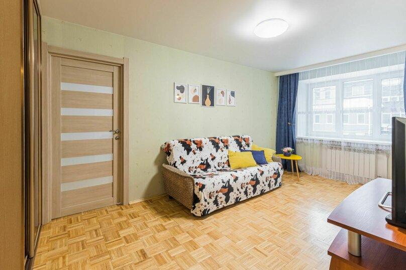 2-комн. квартира, 53 кв.м. на 4 человека, улица Короленко, 19, Нижний Новгород - Фотография 2