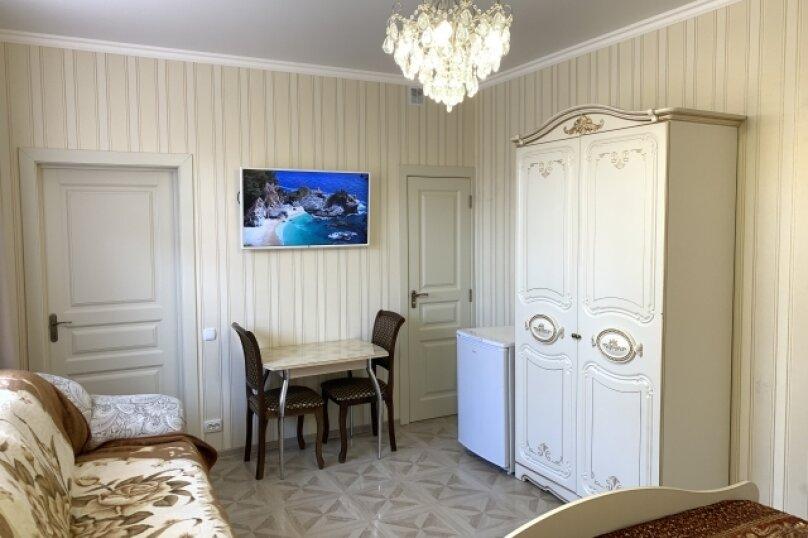 Двухкомнатный комфорт с кухней, улица Спендиарова, 11А, Судак - Фотография 1