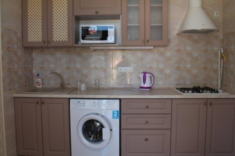 Двухкомнатный комфорт с кухней, улица Спендиарова, 11А, Судак - Фотография 6