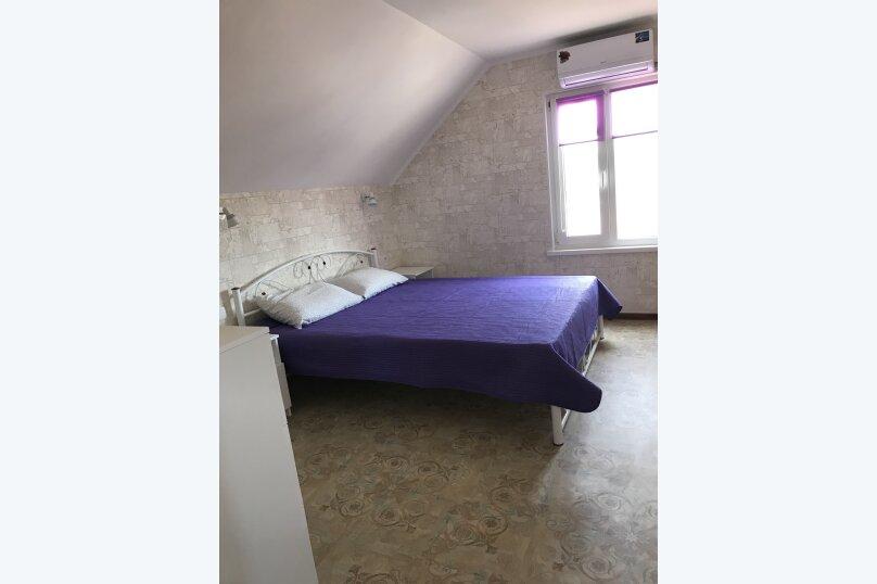 Апартаменты1   2-х этажный дом, 2 этаж, улица Елисеева, 5В, Оленевка - Фотография 1