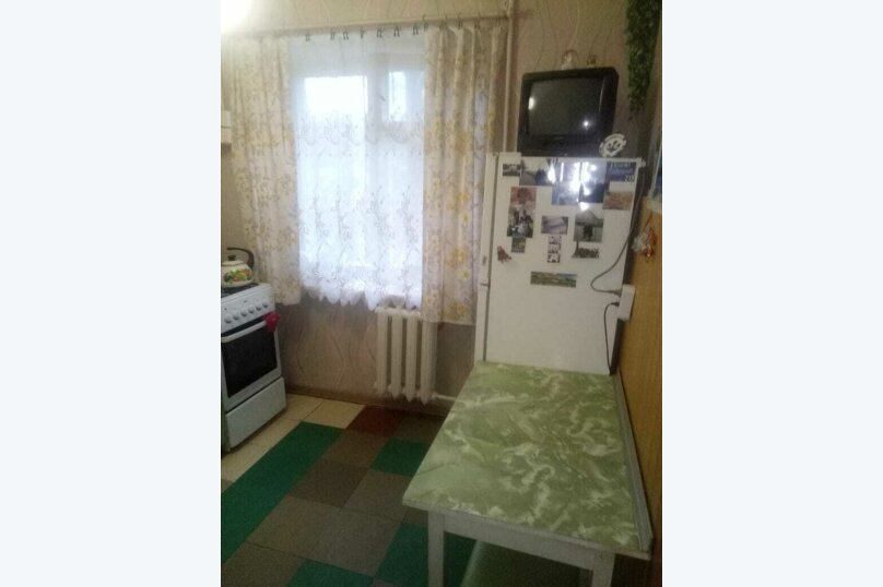 2-комн. квартира на 5 человек, улица Сырникова, 6, Мирный, Крым - Фотография 5