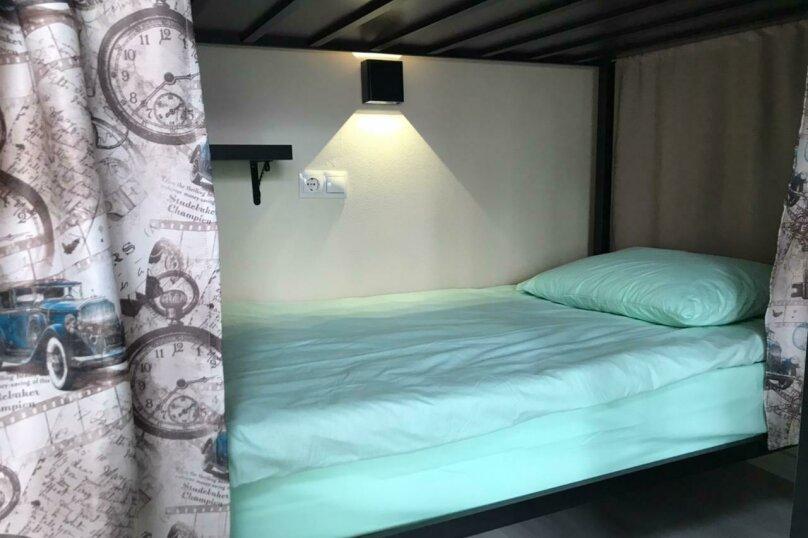 Нижнее спальное место на двухъярусной кровати в общем номере для женщин., Ольштынская, 54, Калининград - Фотография 1