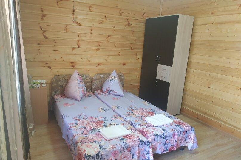 Гостиница 1148382, Лесная, 40 на 2 комнаты - Фотография 1