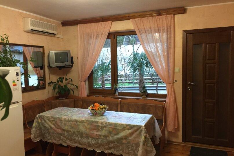 Дом 50 кв. м, 50 кв.м. на 5 человек, 2 спальни, Севастопольское шоссе, 8Ж, Алупка - Фотография 12