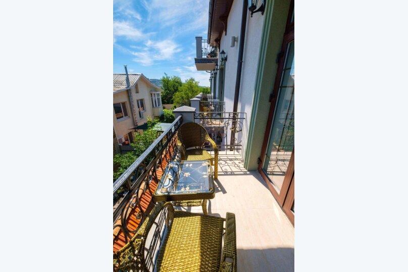 Комфорт двухместный с балконом, улица Первушина, 5А, Феодосия - Фотография 6