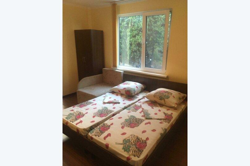 Номер в котедже с балконом и кухней, Ленина, 42Б, Алупка - Фотография 1