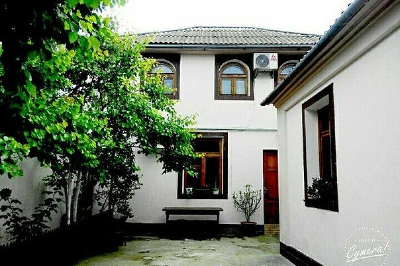 Дом для семейного отдыха, 40 кв.м. на 6 человек, 2 спальни, улица Сытникова, 33, Евпатория - Фотография 1