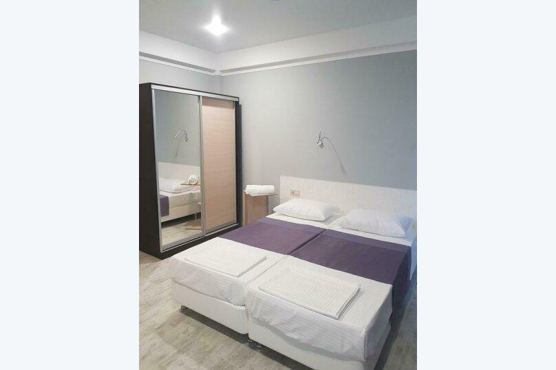 Гостиница 1149639, Набережная, 4 на 20 комнат - Фотография 6