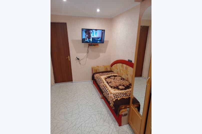Дом, 36 кв.м. на 5 человек, 2 спальни, Пограничников , 3, Судак - Фотография 1