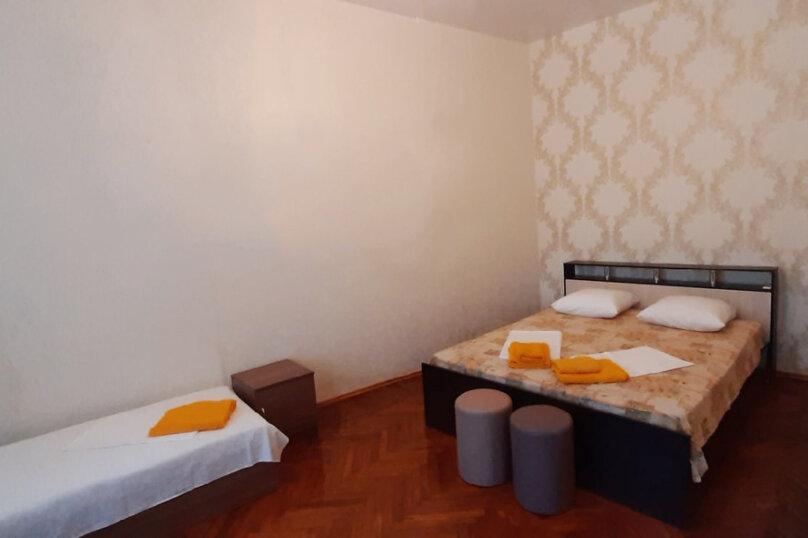 Отдельная комната, проспект Айвазовского, 33, Феодосия - Фотография 1