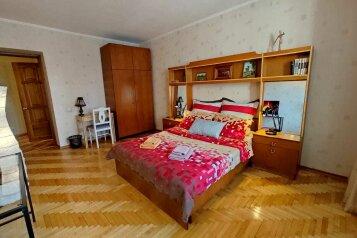 2-комн. квартира, 46 кв.м. на 5 человек, Ленинский проспект, 53А, Йошкар-Ола - Фотография 1