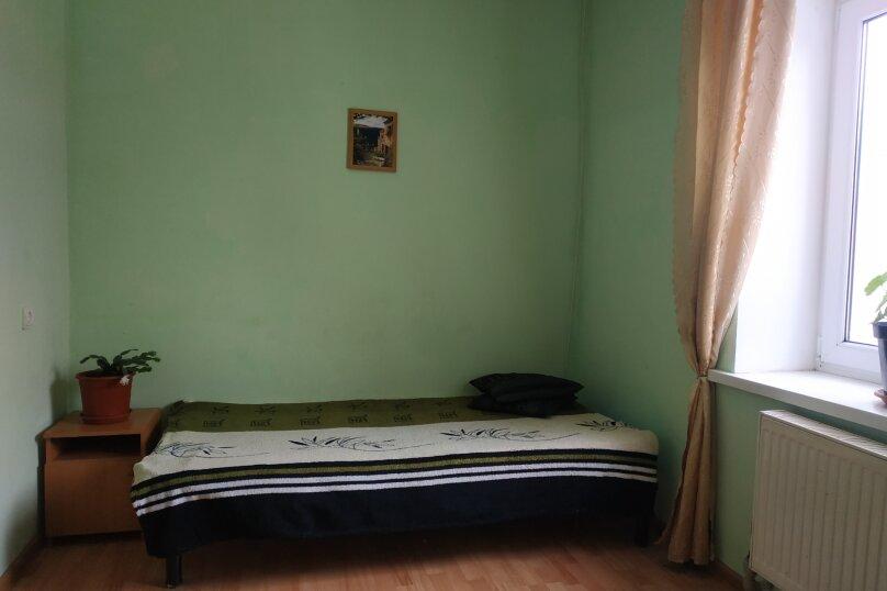 Дом с бассейном и баней в центре, рядом море, 147 кв.м. на 12 человек, 4 спальни, улица Космонавтов, 25, Николаевка, Крым - Фотография 3