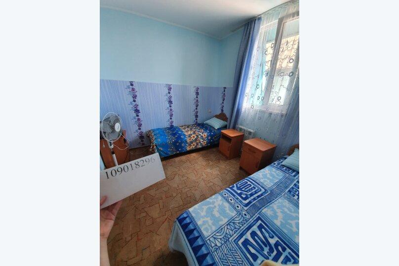 """Гостевой дом """"На Калинина 10"""", улица Калинина, 10 на 5 комнат - Фотография 12"""