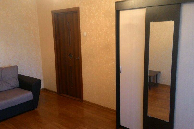 2-комн. квартира, 32 кв.м. на 2 человека, улица Лермонтова, 21, Симферополь - Фотография 1