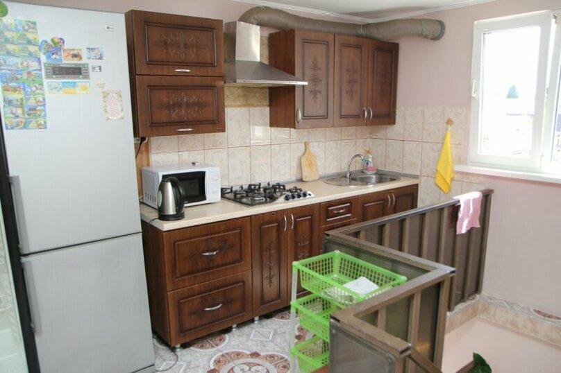 """Гостевой дом """"На Мира"""", улица Мира, 36А/1 на 13 комнат - Фотография 4"""