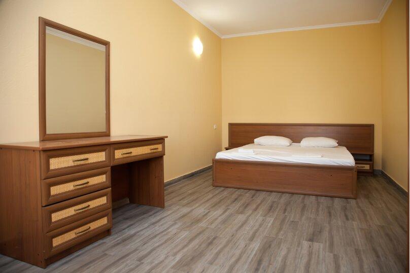 """Гостевой дом """"GREEN guest house"""", улица Тюльпанов, 4Г на 8 комнат - Фотография 44"""