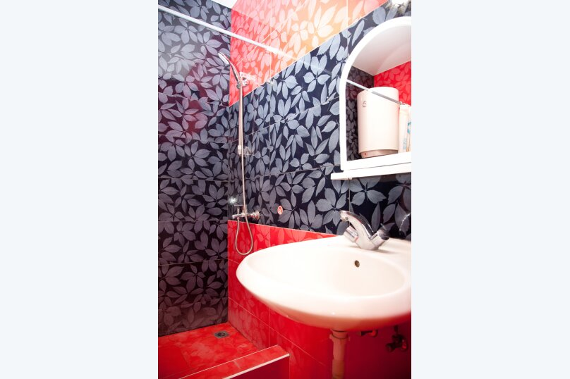 """Гостевой дом """"GREEN guest house"""", улица Тюльпанов, 4Г на 8 комнат - Фотография 46"""